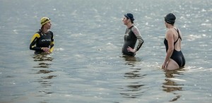 Olga (right) getting some swimming tips from Cristina - picture courtesy of Darek Sikorski